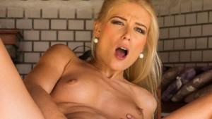 Sweet Cat Hardcore - Blonde Czech Babe Porno czechvr Sweet Cat vr porn video vrporn.com