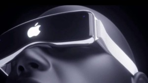Apple Likely to Launch Standalone VR/AR Headset With Two 8K Displays youtube.com vr porn blog virtual reality